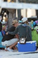 Reid Heidenry, Nina Agdal - Miami - 29-11-2014 - Nina Agdal e il fidanzato incontenibili a Miami