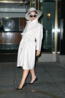 Lady Gaga - New York - 01-12-2014 - En pendant con l'inverno con un cappotto bianco