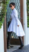 Kris Jenner - West Hollywood - 27-08-2014 - En pendant con l'inverno con un cappotto bianco