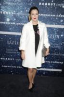 Drew Barrymore - New York - 13-11-2014 - En pendant con l'inverno con un cappotto bianco