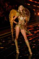 Behati Prinsloo - Londra - 02-12-2014 - Le modella più popolare? Lo decide il gossip