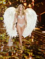 Doutzen Kroes - Londra - 02-12-2014 - Victoria's Secret: più belli gli Angeli o... i reggiseni?