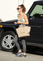 Cara Santana - Los Angeles - 22-10-2014 - Le celebrity ne vanno matte: è la Celine Luggage Tote Bag!