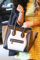 Shay Mitchell - New York - 18-03-2014 - Le celebrity ne vanno matte: è la Celine Luggage Tote Bag!