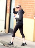 Kirsten Dunst - Los Angeles - 04-12-2014 - Tuta, leggings, top crop: scegli lo stile fitness che fa per te!