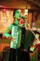 Natalia Tena - Atene - 17-12-2014 - Russell Crowe & Co., quando l'attore diventa musicista