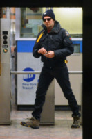 Bradley Cooper - New York - 21-12-2014 - Dalle stelle…ai cunicoli ferroviari della metro