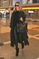 Rosie Huntington-Whiteley - Los Angeles - 23-12-2014 - In carrozza! Anche il viaggio ha il suo dress code