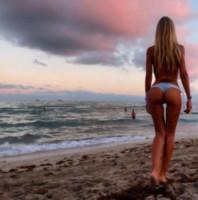 Laura Cremaschi - Miami Beach - 29-12-2014 - Emily Ratajkowski, lato B da urlo. Ecco le foto