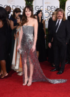 Dakota Johnson - Beverly Hills - 11-01-2015 - Golden Globe 2015: argento vivo sul red carpet