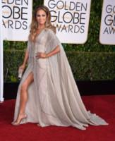 Jennifer Lopez - Beverly Hills - 12-01-2015 - Ha quasi 50 anni ma sul red carpet la più sexy è sempre lei