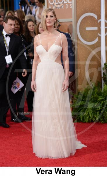 Rosamund Pike - Beverly Hills - 11-01-2015 - Golden Globe 2015: gli stilisti sul red carpet