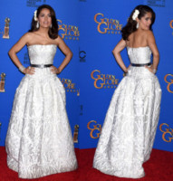 Salma Hayek - Los Angeles - 12-01-2015 - Golden Globes 2015: Vade retro abito!