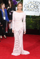 Chrissy Teigen - Beverly Hills - 11-01-2015 - Golden Globes 2015: Vade retro abito!