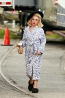 Scarlett Johansson - Los Angeles - 16-01-2015 - Celebrity con i piedi per terra: W le pantofole!