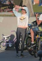 Alessandra Ambrosio - Los Angeles - 17-01-2015 - Tuta, leggings, top crop: scegli lo stile fitness che fa per te!