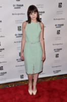 Felicity Jones - New York - 28-11-2011 - Felicity Jones, la teoria… dell'eleganza chic!