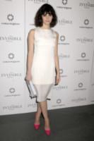 Felicity Jones - New York - 09-12-2013 - Non solo LBD: oggi il tubino è anche bianco!