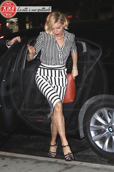 Sienna Miller - New York - 15-01-2015 - Ma che scarpe grandi che hai! Le star scelgono un numero in più
