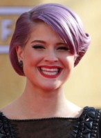 Kelly Osbourne - Los Angeles - 27-01-2013 - Frangetta addio, i capelli si portano con la riga di lato!