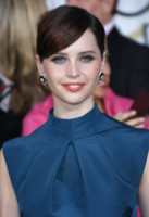 Felicity Jones - Los Angeles - 11-01-2015 - Frangetta addio, i capelli si portano con la riga di lato!