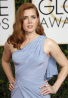 Amy Adams - Los Angeles - 11-01-2015 - Frangetta addio, i capelli si portano con la riga di lato!