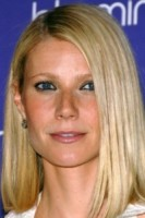 Gwyneth Paltrow - New York - 08-07-2008 - Frangetta addio, i capelli si portano con la riga di lato!