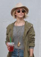 Julianne Hough - West Hollywood - 28-01-2015 - Tutti pazzi per lo smoothie! Ecco come si dissetano i VIP