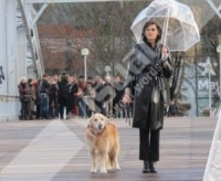 Ines de la Fressange - Parigi - 30-01-2015 - Star come noi: la vita non è la stessa senza un cane