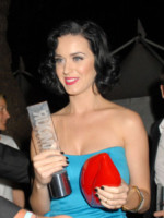 Katy Perry - Londra - 02-06-2009 - A San Valentino, vèstiti di cuori e di baci!