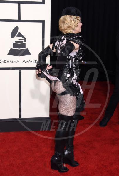 Madonna - Los Angeles - 09-02-2015 - Ma come ti vesti? Le 10 cose più strane indossate dalle star