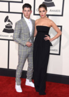 Olivia Culpo, Nick Jonas - Los Angeles - 09-02-2015 - Grammy Awards 2015: Madonna alza la gonna