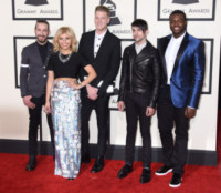 Pentatonix - Los Angeles - 09-02-2015 - Grammy Awards 2015: Madonna alza la gonna