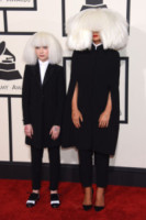 Maddie Ziegler, Sia - Los Angeles - 08-02-2015 - Grammy Awards 2015: Madonna alza la gonna