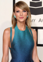 Taylor Swift - Los Angeles - 08-02-2015 - Grammy Awards 2015: Madonna alza la gonna