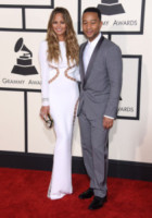 Chrissy Teigen, John Legend - Los Angeles - 09-02-2015 - Grammy Awards 2015: Madonna alza la gonna