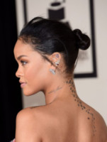 Rihanna - Los Angeles - 09-02-2015 - Grammy Awards 2015: Madonna alza la gonna