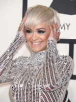 Rita Ora - Los Angeles - 09-02-2015 - Grammy Awards 2015: Madonna alza la gonna