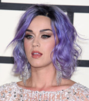 Katy Perry - Milano - 09-02-2015 - Grammy Awards 2015: Madonna alza la gonna