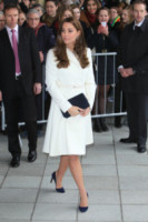 Kate Middleton - Portsmouth - 12-02-2015 - Chiara Ferragni e non solo: incinte senza pancia!