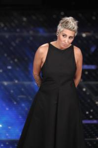 Malika Ayane - Sanremo - 14-02-2015 - Marilyn Style: biondo platino, il colore delle dive