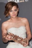 Kristen Stewart - Parigi - 20-02-2015 - Quando le celebrity ci danno un taglio… ai capelli!
