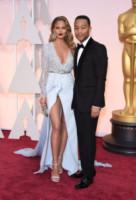 Chrissy Teigen, John Legend - Hollywood - 23-02-2015 - John Legend acquista la villa di Rihanna a Beverly Hills