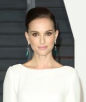 Natalie Portman - Los Angeles - 22-02-2015 - Oscar 2015: le dive scelgono gioielli preziosi e… vistosi!
