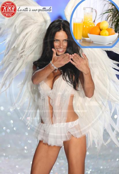 Spremuta d\'arancia, Adriana Lima - New York - 13-11-2013 - Vuoi essere in forma come Beyonce? Ecco il suo segreto