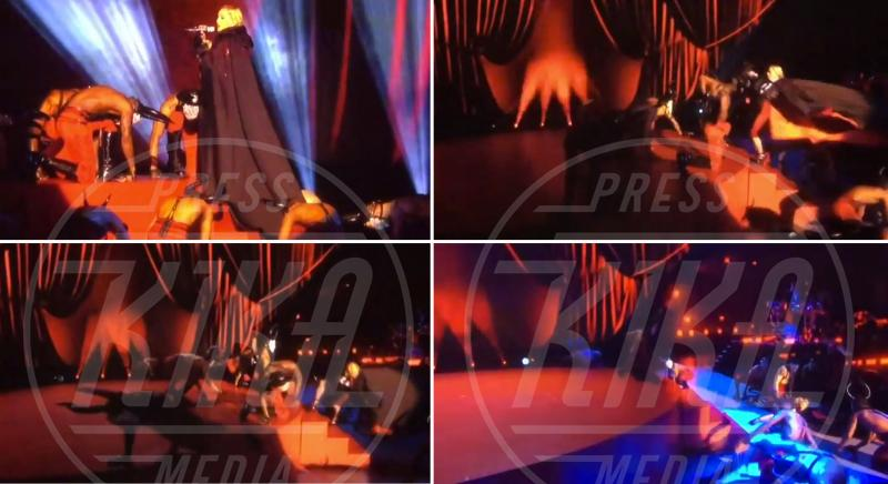 Madonna - Londra - 25-02-2015 - Star come noi: mamma che capitombolo!