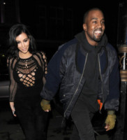 Kim Kardashian, Kanye West - Londra - 25-02-2015 - Il cuore d'oro di Kim Kardashian e Kanye West