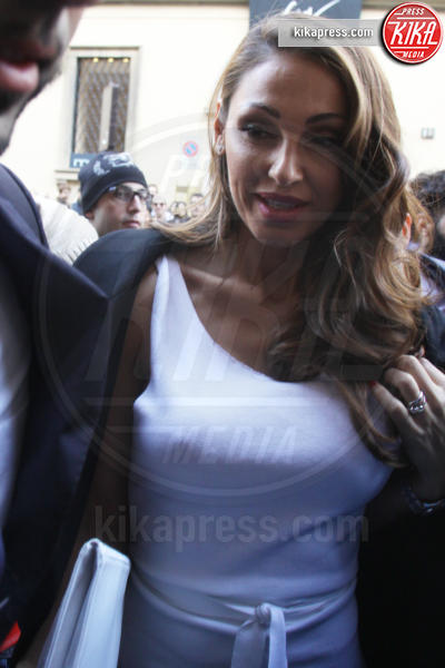 Anna Tatangelo - Milano - 01-03-2015 - Le celebrities dicono addio al reggiseno