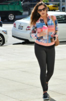 Kelly Brook - Los Angeles - 02-03-2015 - Tuta, leggings, top crop: scegli lo stile fitness che fa per te!