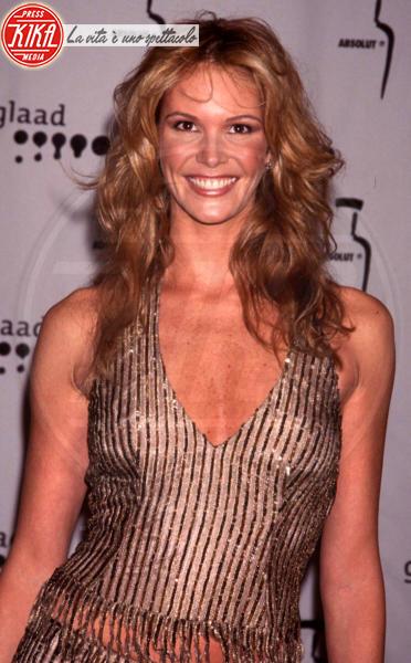 Elle Macpherson - New York - 02-04-2000 - Elle MacPherson compie 54 anni ma il tempo per lei si è fermato
